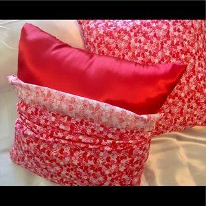 """""""Be My Valentine"""" Red Hearts ONE Pillow/Bed Sofa"""